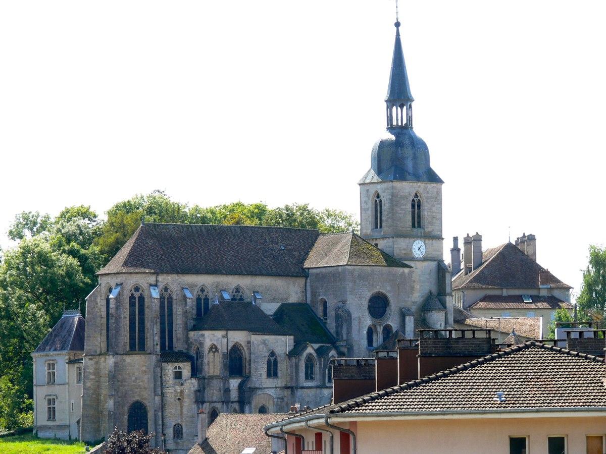 1200px-F88-Neufchâteau-église_Saint-Nicolas